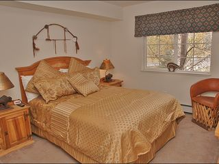 Steamboat Springs townhome photo - Master # 1 - Queen, New Bedding, Private Bathroom