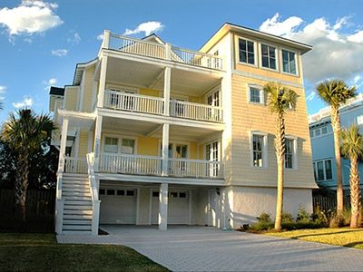 3005 Cameron Blvd.  Minutes from Historic Downtown Charleston and Wild Dunes