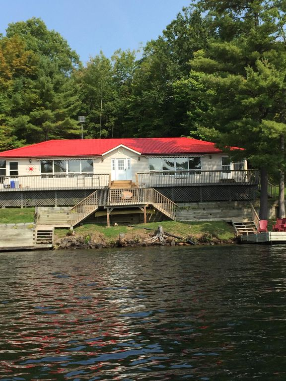 The Retreat in Muskoka Country.... WATER ACCESS ONLY