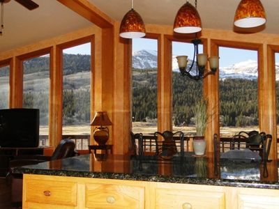 Panoramic Mountain Views from the Kitchen, Dining Area, and Main Living Room