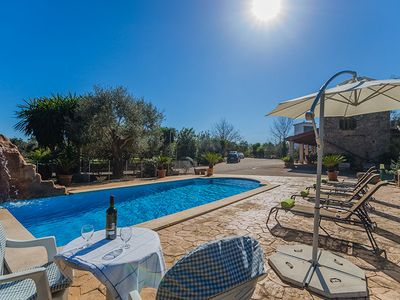 Holiday house for 6 people, pool, air conditioning and Internet