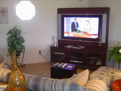 60' HDTV AND BOSE SOUND SYSTEM....GREAT ENTERTAINMENT CENTER