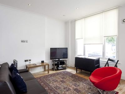 ** EXCLUSIVE ** Luxurious 2 Bed Suite in NOTTING HILL