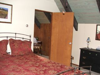 'The Loft Retreat' upstairs w full bath - Asheville chalet vacation rental photo