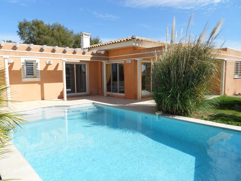 Luxury accommodation, 230 square meters, with garden
