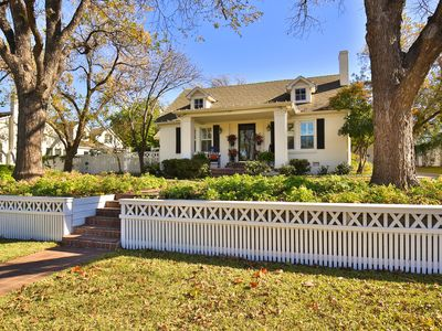 The Cottage at Eleven09--A Fine Guest Experience in Historic Abilene