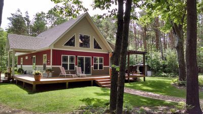 Fabulous & Private Riverfront Cabin.