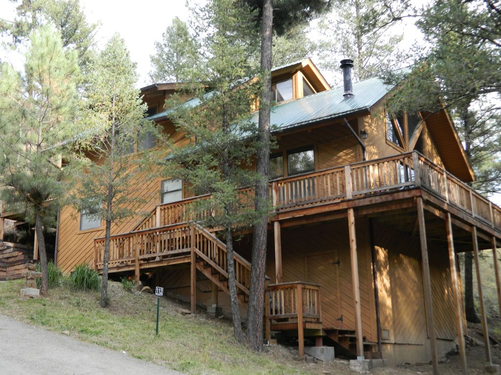 Cedar creek cabin newly remodeled 2 acres vrbo for 6 bedroom cabins in ruidoso nm