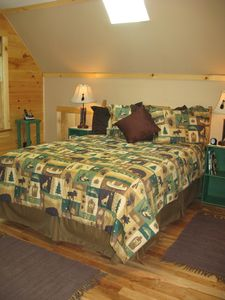 Schroon Lake cabin rental - Master Bedroom with Full Bath and Jacuzzi Tub