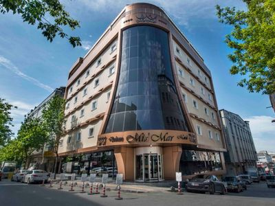 MidMar Deluxe Hotel Single Room. Located in the very heart of Istanbul, which is a center for business, art, entertainment, shopping and congress events.