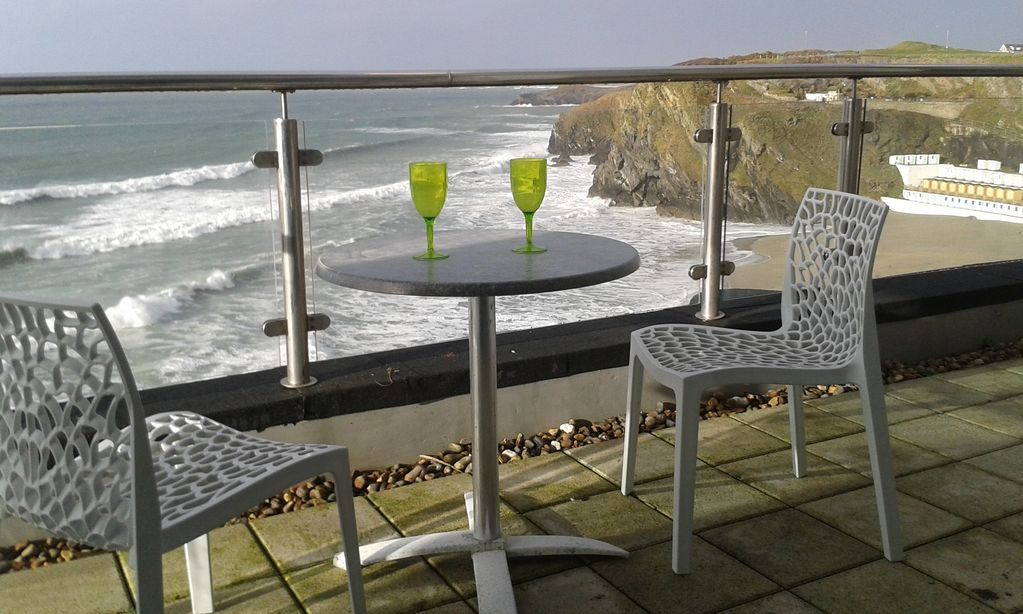 Rocklands studio with incredible views across the sea and beaches and cliffs