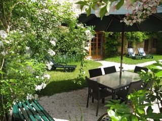 Private garden in Le Rosier