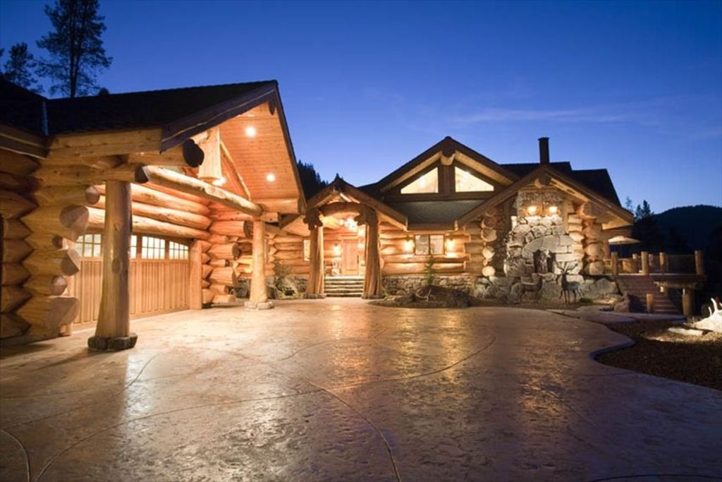 Mt shasta majestic retreat luxury log home vrbo for Luxury log home