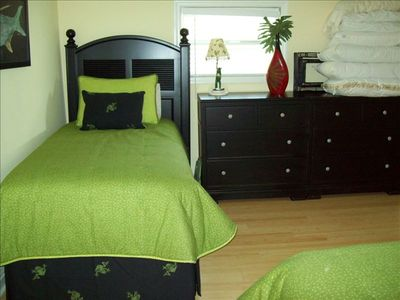 Fort Myers Beach cottage rental - Bedroom 2 - Two twins sleeps two