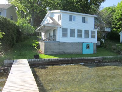 Spacious and affordable lakefront house with vrbo for Inexpensive lakefront property