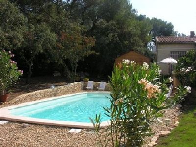 House in Garden, fenced, private swimming pool Uzes Saint Maximin