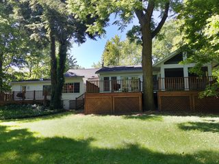 Saugatuck / Douglas cottage photo - Spacious Yard - Short walk to Downtown!