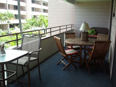Plenty of seating on the lanai for dining or relaxation