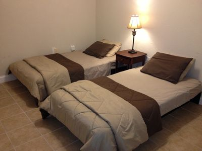 Bed room 3 Twin beds Kids friendly, very low level bedding.