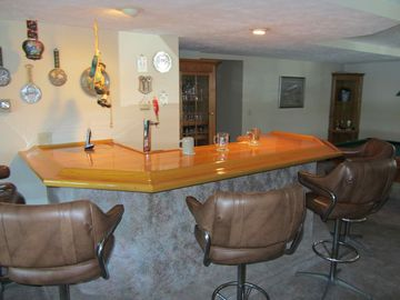 Great bar for gathering and tapping a beer (BYOB)