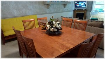 Large Table Great for Dinner or Playing Games / Cards! Seating for 8 !