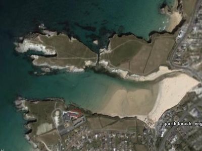 Porth apartment rental - Porth aerial shot you will be on the lower 'prong'