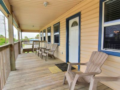 Spacious 3 bedroom 2 bath beach home! Just a short walk to the beach!