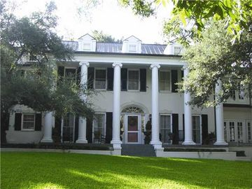 Austin house rental - Majestic Home- half acre in central austin gated with a pool