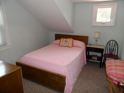 Lake Algonquin - Wells house rental - Double Bedroom w/ TV