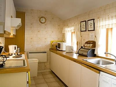 Dunvegan cottage rental - Well Equipped Kitchen