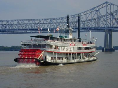New Orleans condo rental - The Natchez paddleboat on the muddy Mississippi River