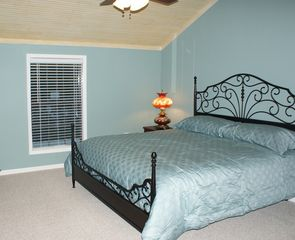 Milam lodge photo - Bedroom #2 has a 26 inch flatscreen TV and view of Lake.