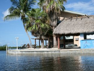 Marathon villa photo - Tiki hut and picnic area