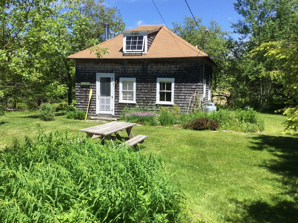 Lords Cove Cottage In Brooksville Maine