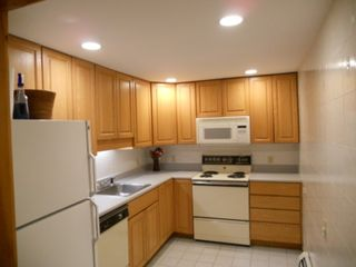 North Conway townhome photo - 2nd full kitchen in basement. Full bath and laundry room in basement also.