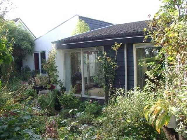 Luxury detached villa on the edge of the golf course and near Amsterdam