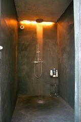 Naujan-et-Postiac farmhouse photo - Shower in pool house