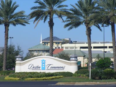 Destin Commons Mall-Stores Theaters Restaurants