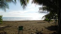 ON THE BEACH.......and  15 min walk (on sand) to Dominical