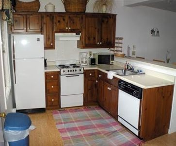 Fully stocked kitchen with all the amenities, incl. dishwasher!