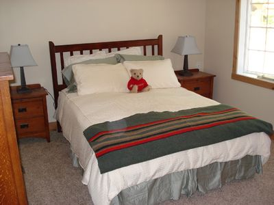 Al Tahoe house rental - Downstairs Bedroom- Queen