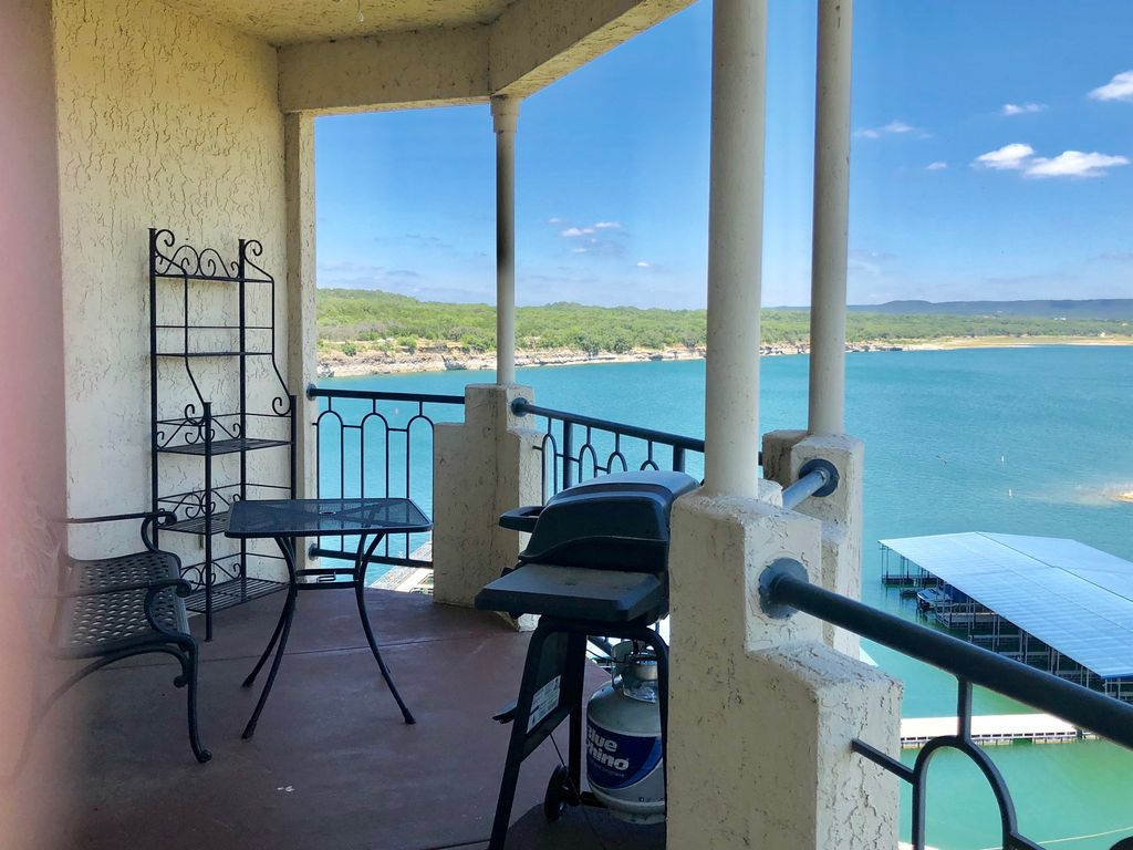 VILLA 1308 – Top Floor at Island Resort with Panoramic Lakeview & Private Grill