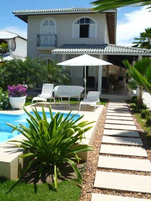 Beach House Guarajuba, House well located paradise with swimming pool and Wi-Fi