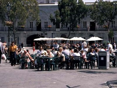 Casemates Square Shopping Piazza Area