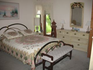 Cape May house photo - Master Bedroom w/ queen bed, lge closet,flat-sceen TV