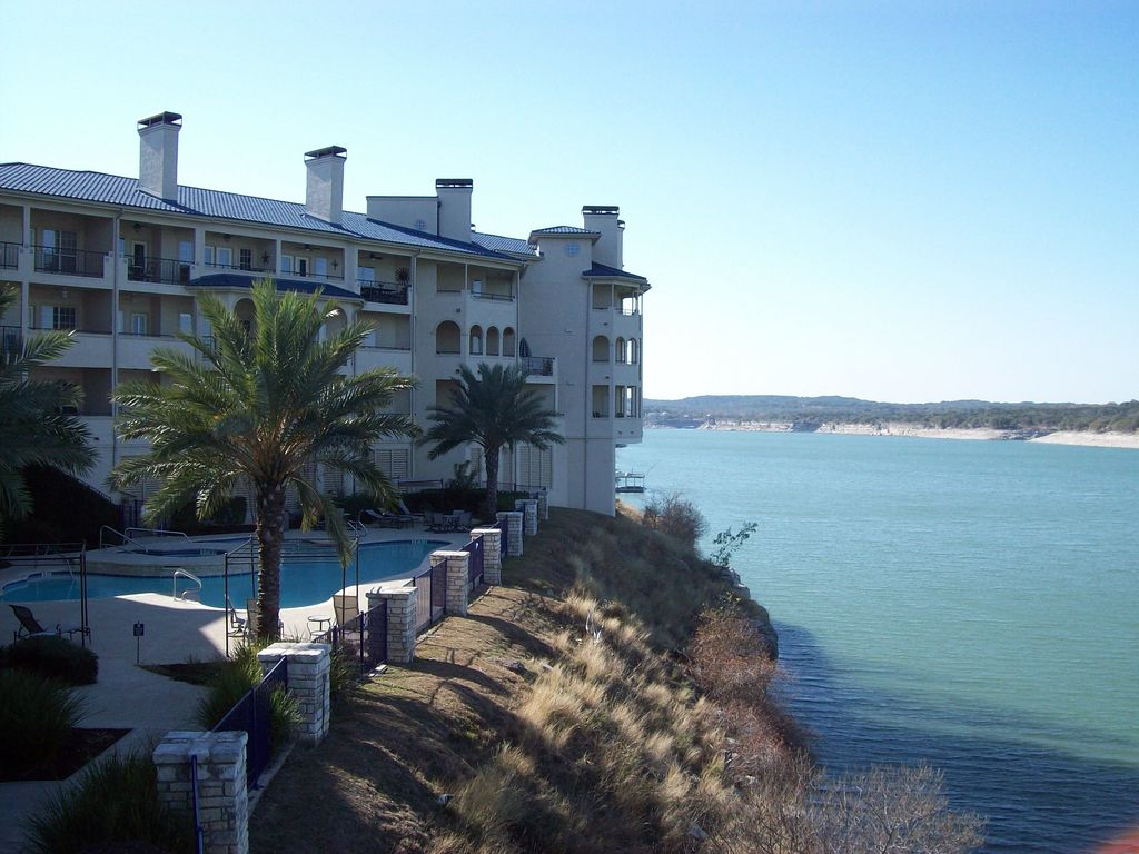 Connie's Elegant Villa – Very Comfy!  Balcony and stunning views – dine outside!