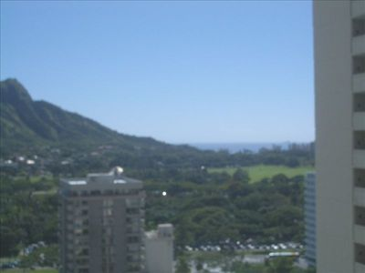 Honolulu condo rental - diamond head & ocean from your living room