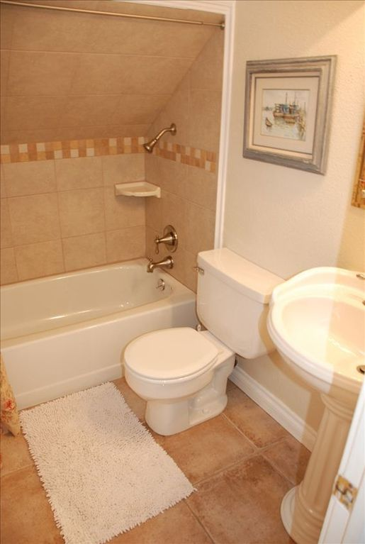 Bathroom with Tub/Roman Shower
