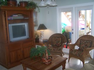 Fort Myers Beach house photo - Another view of the downstairs living area. Facing west.