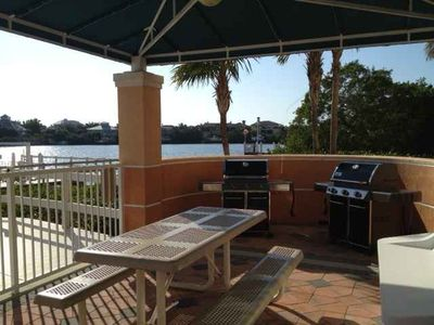 Grill your daily catch right off the pool deck